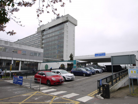 referencias ancar dental: The Hillingdon Hospitals